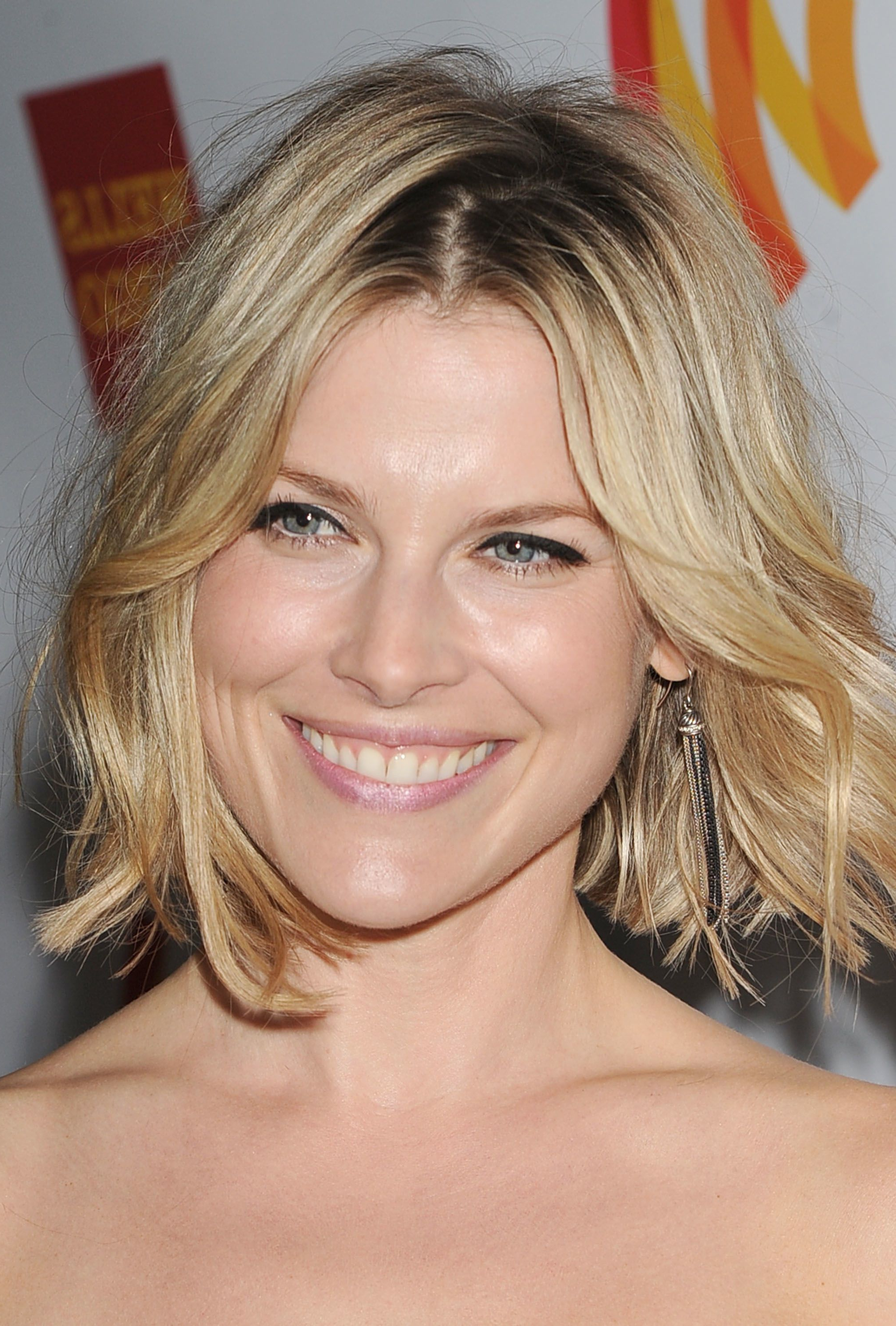 22 Inspiring Short Haircuts For Every Face Shape With Regard To Short Hairstyles For Pear Shaped Faces (View 9 of 25)