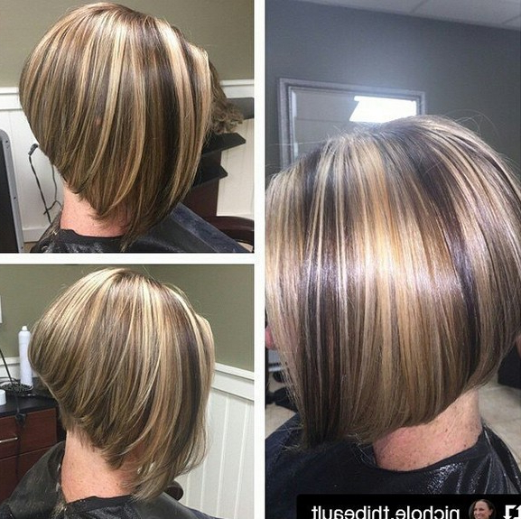 22 Layered Bob Hairstyle Ideas You Will Love! – Pretty Designs Regarding Stacked Bob Hairstyles With Highlights (View 13 of 25)
