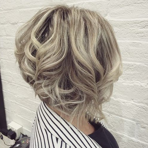 22 Stylish Styles For Inverted Bobs 2019 Regarding Inverted Brunette Bob Hairstyles With Feathered Highlights (View 9 of 25)