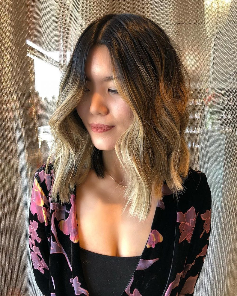 24 Flattering Middle Part Hairstyles In 2018 Inside Center Part Short Hairstyles (View 17 of 25)