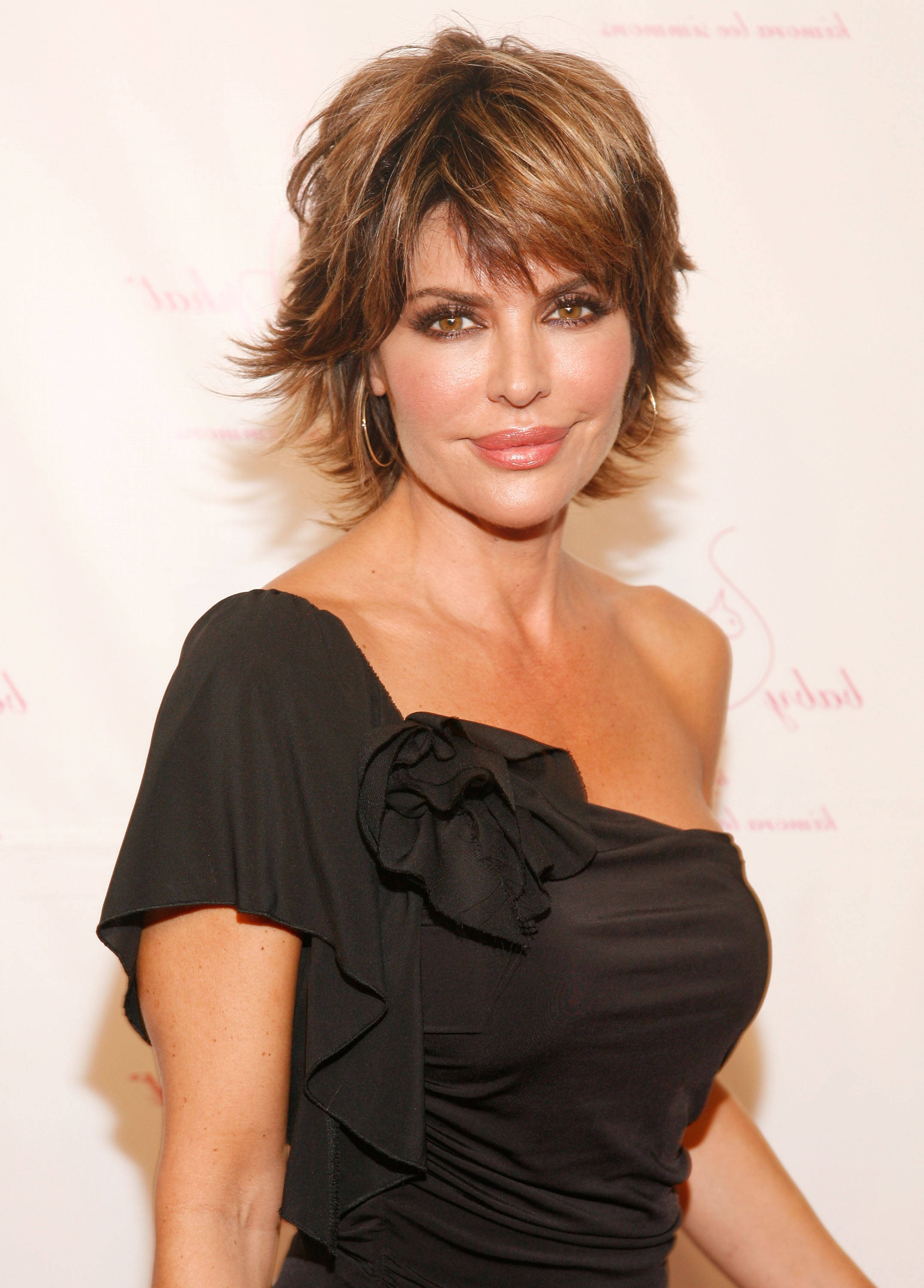 25 Beautiful Layered Haircuts Ideas Pertaining To Short To Mid Length Layered Hairstyles (View 11 of 25)