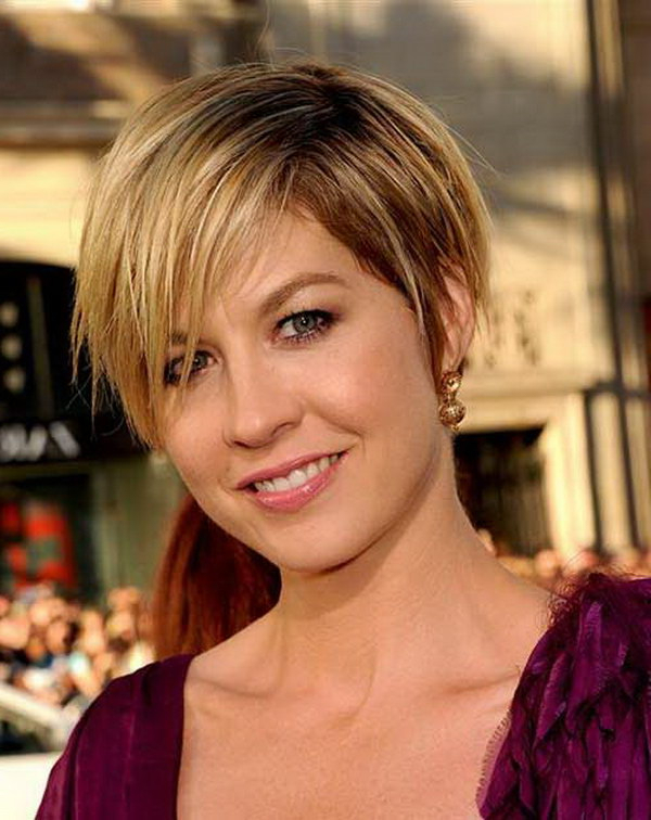 25 Beautiful Short Haircuts For Round Faces 2017 Inside Layered Pixie Hairstyles With An Edgy Fringe (View 15 of 25)