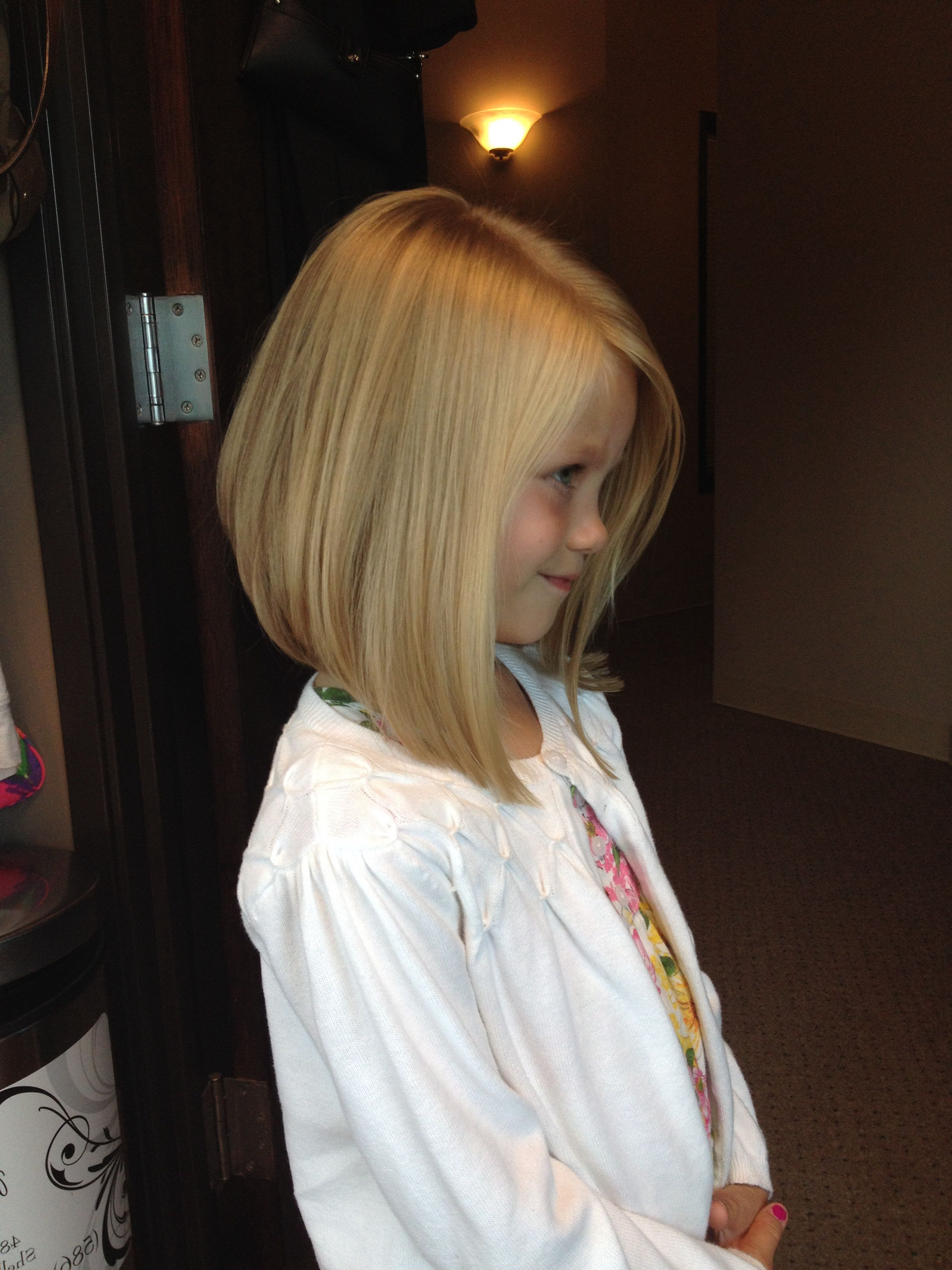 25 Belles Coupes Pour Petites Filles | Hairstyles | Pinterest | Girl Regarding Kids Short Haircuts With Bangs (View 13 of 25)