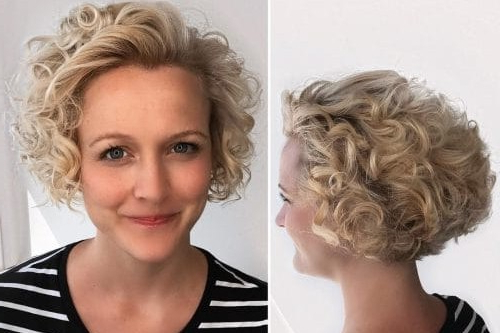 25 Chin Length Bob Hairstyles That Will Stun You (2018 Trends) Pertaining To Frizzy Razored White Blonde Bob Haircuts (View 14 of 25)