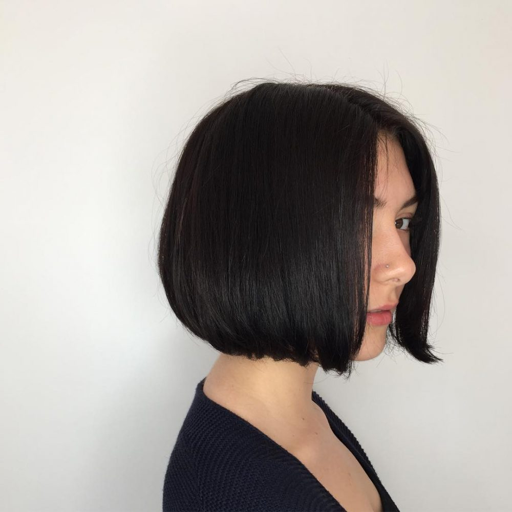 25 Chin Length Bob Hairstyles That Will Stun You (2018 Trends) Regarding Jaw Length Inverted Curly Brunette Bob Hairstyles (View 7 of 25)