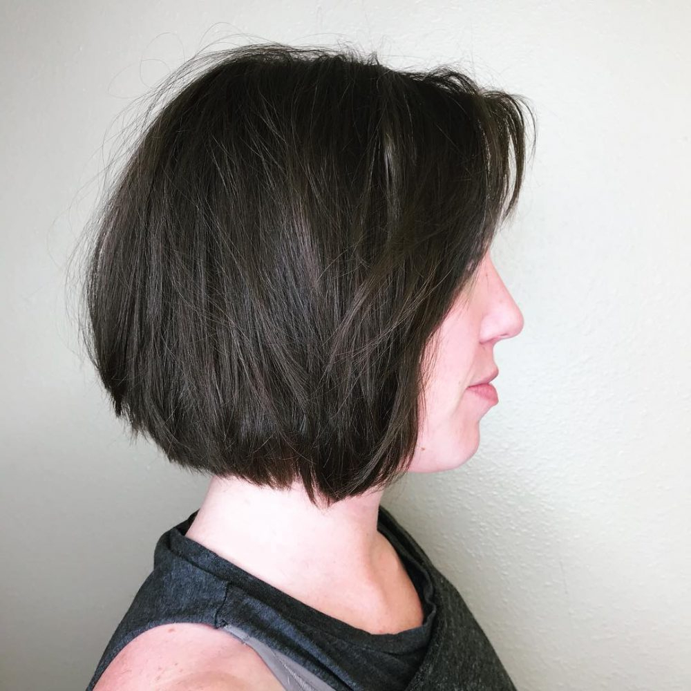 25 Chin Length Bob Hairstyles That Will Stun You (2018 Trends) Regarding Jaw Length Inverted Curly Brunette Bob Hairstyles (View 19 of 25)