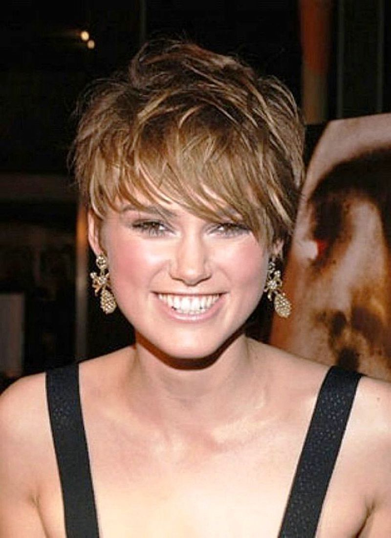 25 Cute And Short Hairstyles For Round Faces – The Xerxes With Short Hairstyles For Women With Round Face (View 4 of 25)