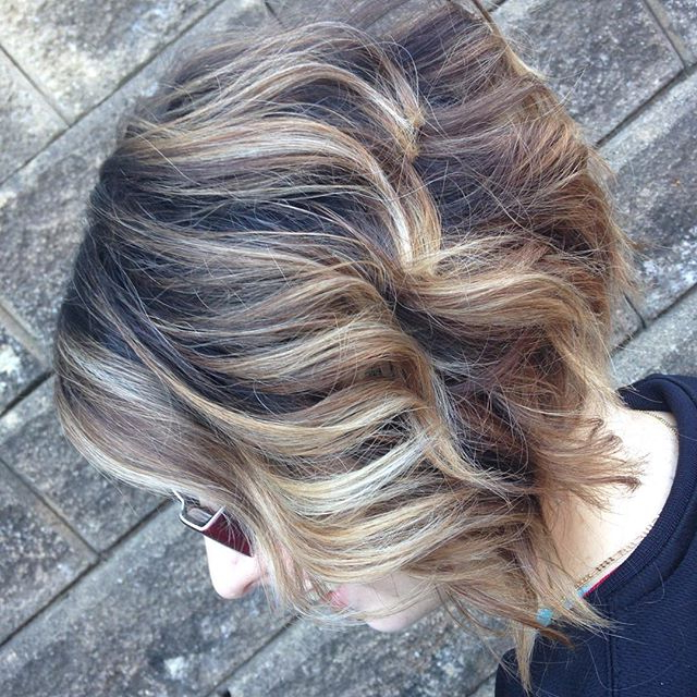 25 Super Chic Inverted Bob Hairstyles – Hairstyles Weekly With Regard To Wavy Bronde Bob Shag Haircuts (View 9 of 25)