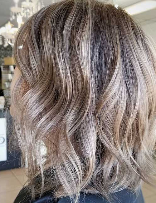 25 Trendy Balayage Looks For Short Hair Intended For Stacked Blonde Balayage Pixie Hairstyles For Brunettes (View 20 of 25)