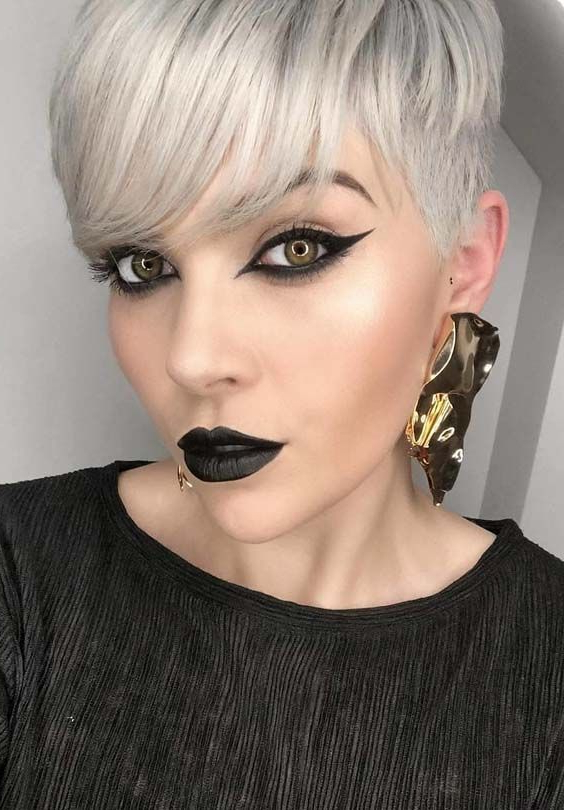 27 Modern Combinations Of Short Blonde Pixie Cuts & Makeup Ideas In Pertaining To Icy Poker Straight Razored Pixie Haircuts (View 24 of 25)