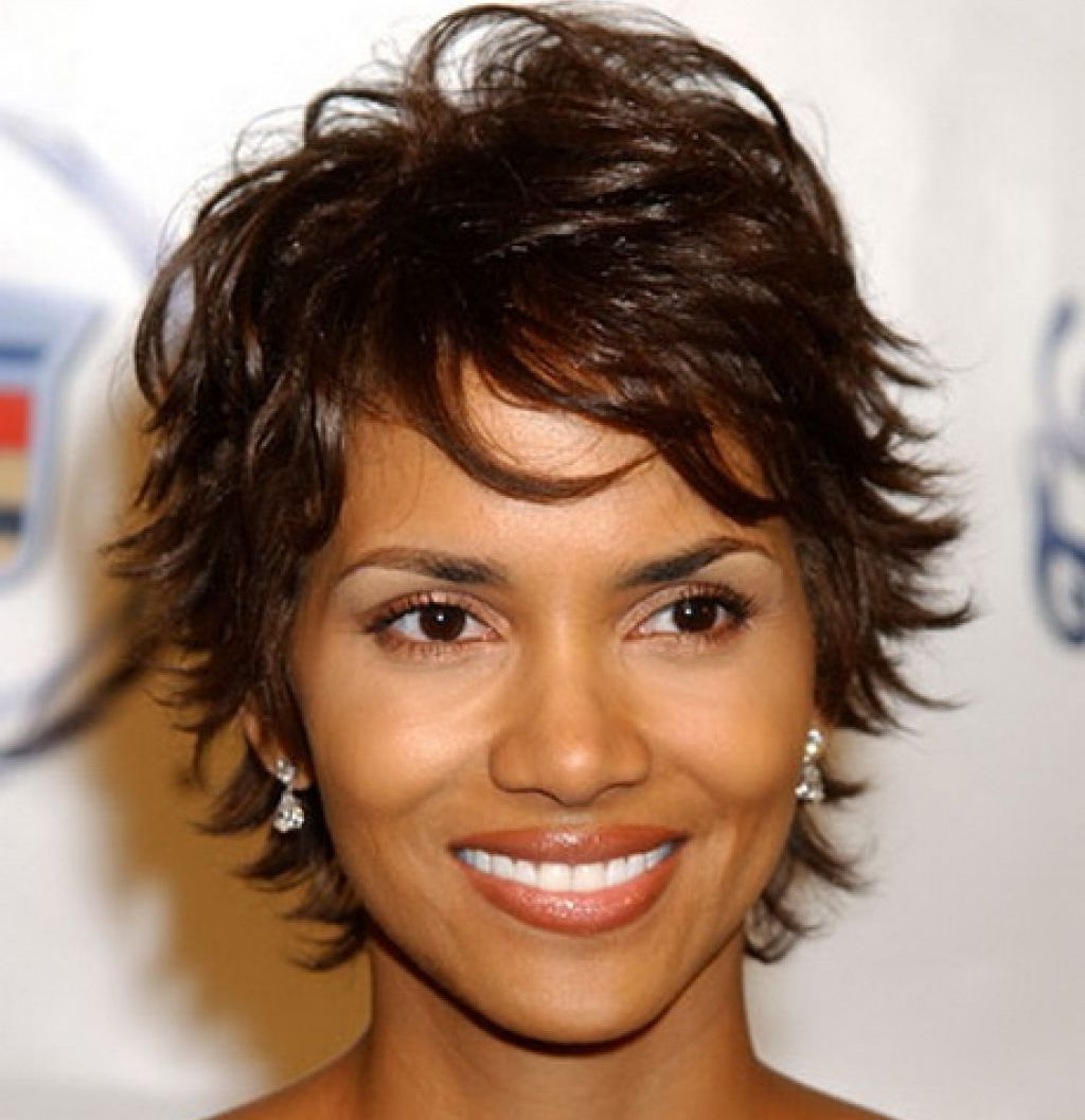 27 Short Hairstyles And Haircuts For Black Women Of Class Regarding Short Hairstyles With Feathered Sides (View 13 of 25)