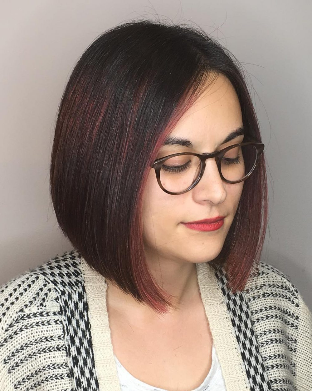 28 Most Flattering Bob Haircuts For Round Faces In 2018 For Short Hairstyles For Round Faces And Glasses (View 10 of 25)