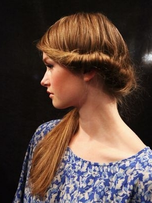3 Chic Side Ponytail Hairstyles – Side Ponytail Hairstyles Are Within Creative Side Ponytail Hairstyles (View 7 of 25)