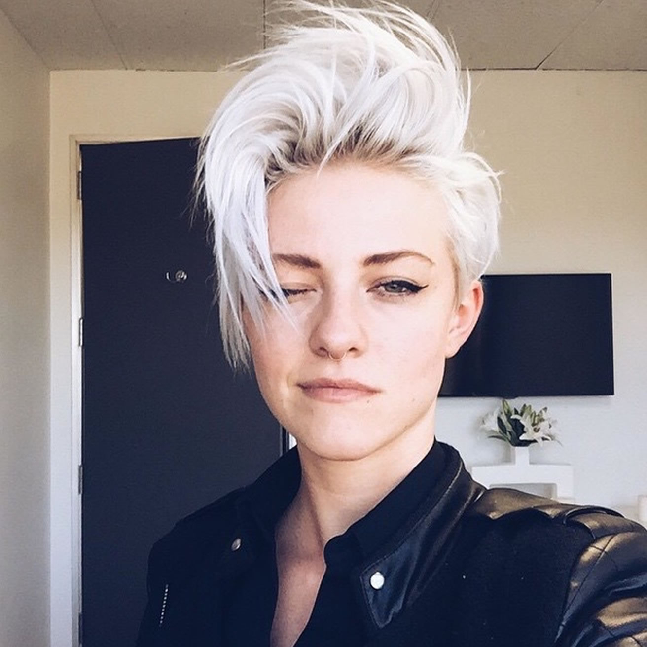 30 Best Asymmetric Short Haircuts For Women Of All Time – Page 2 With Regard To Symmetrical Short Haircuts (View 12 of 25)