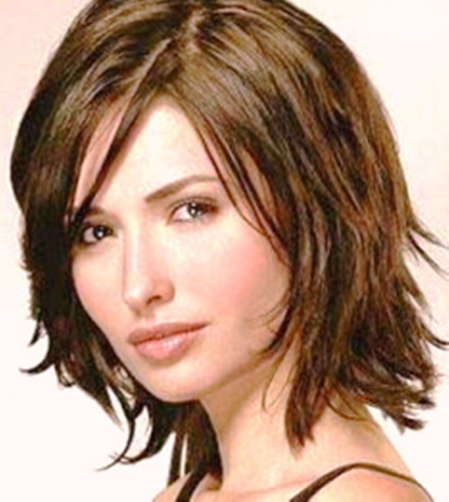 30 Classy Short To Medium Hairstyles For Thick Hair ~ Louis Palace With Regard To Short To Medium Hairstyles For Thick Hair (View 7 of 25)