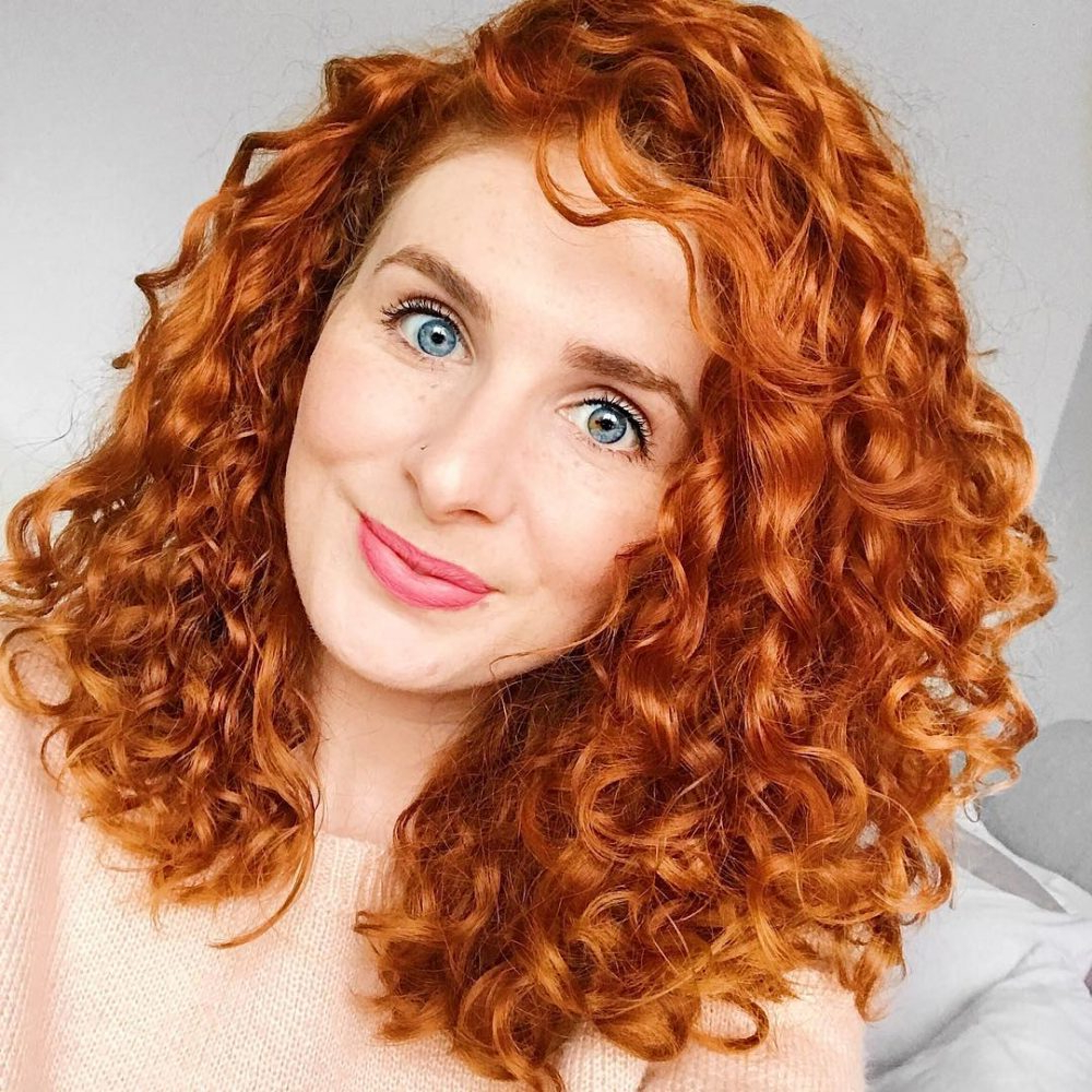 30 Gorgeous Medium Length Curly Hairstyles For Women In 2018 Within Natural Textured Curly Hairstyles (View 9 of 25)