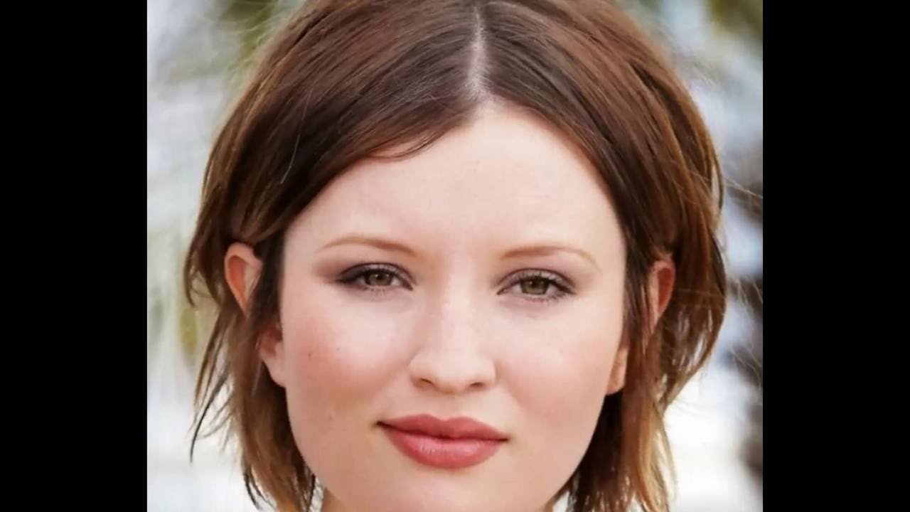 30 Medium Short Hairstyles For Thicker Hair With Layers   Medium With Regard To Short To Medium Hairstyles For Thick Hair (View 16 of 25)