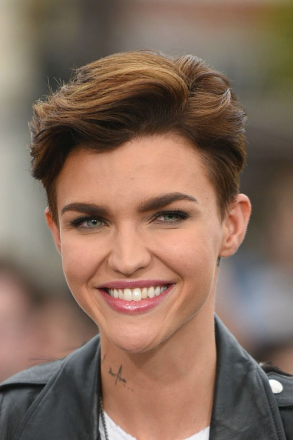 30 Short Hairstyles For Thick Hair 2017 – Women's Haircuts For For Pertaining To Short Hairstyles For Very Thick Hair (View 8 of 25)