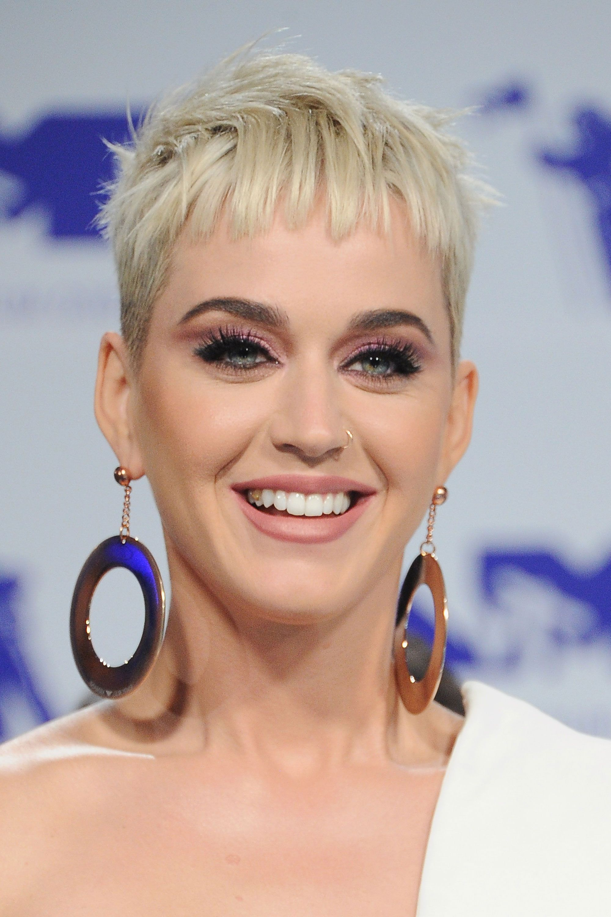 30 Short Hairstyles For Thick Hair 2017 – Women's Haircuts For Short Within Short Hairstyles For Grey Haired Woman (View 13 of 25)