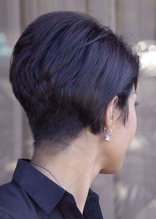 30 Stacked Bob Haircuts For Sophisticated Short Haired Women Inside Choppy Pixie Bob Haircuts With Stacked Nape (View 15 of 25)