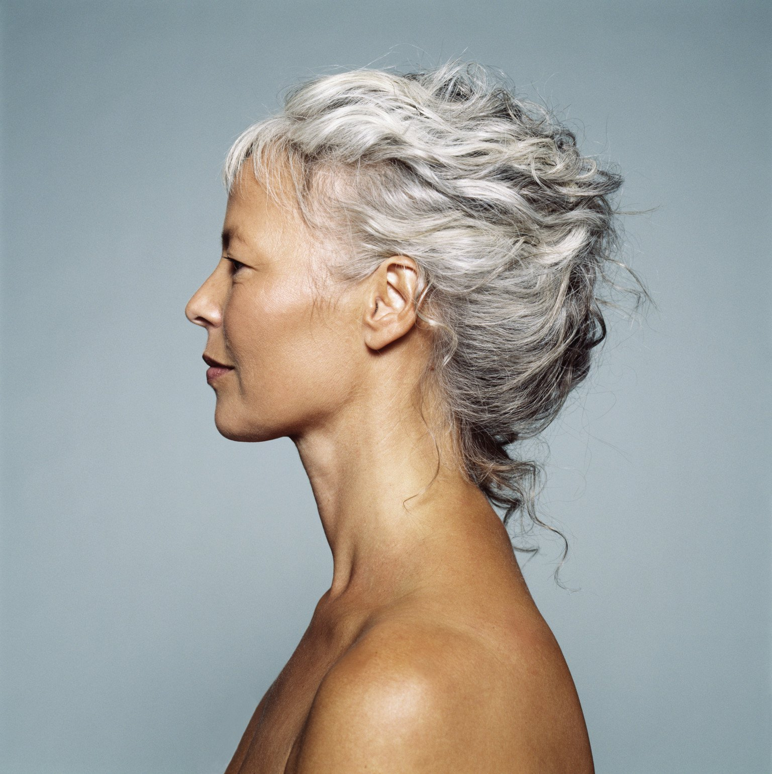 30 Stylish Gray Hair Styles For Short And Long Hair Throughout Short Hairstyles For Grey Haired Woman (View 25 of 25)