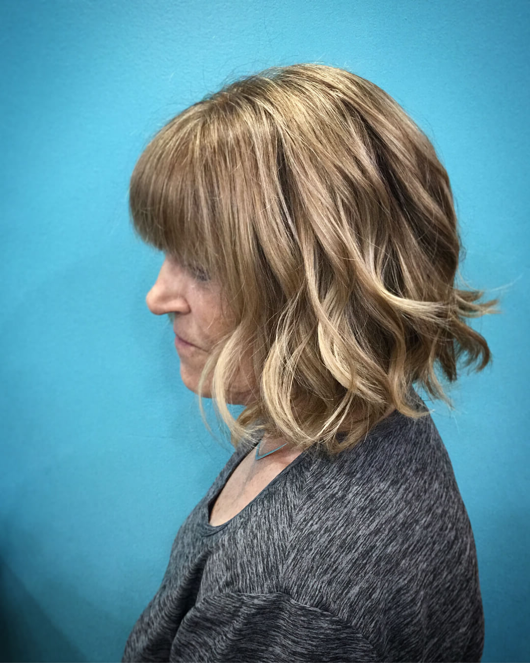 30 Various Bob Haircuts With Bangs – Get A New Look For Edgy Brunette Bob Hairstyles With Glossy Waves (View 4 of 25)