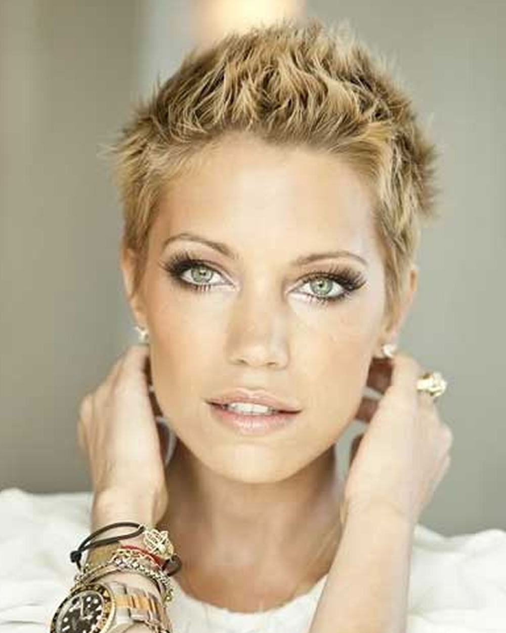 Featured Photo of Chic Short Hair Cuts