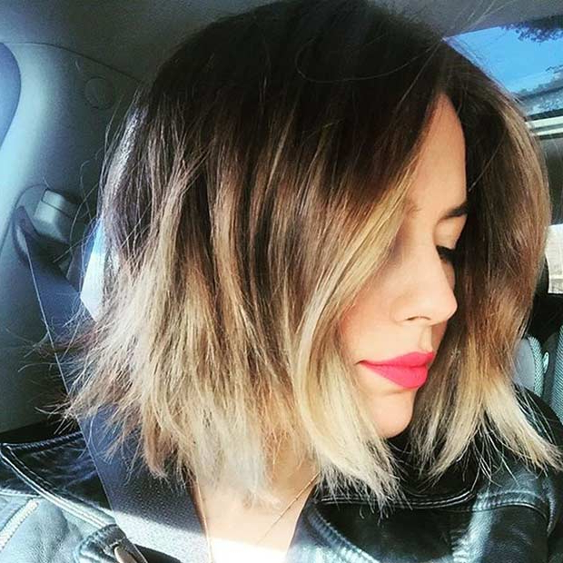 31 Short Bob Hairstyles To Inspire Your Next Look | Page 2 Of 3 For Jaw Length Wavy Blonde Bob Hairstyles (View 22 of 25)