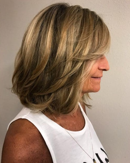 32 Layered Bob Hairstyles So Hot We Want To Try All Of Them In Inverted Brunette Bob Hairstyles With Feathered Highlights (View 13 of 25)