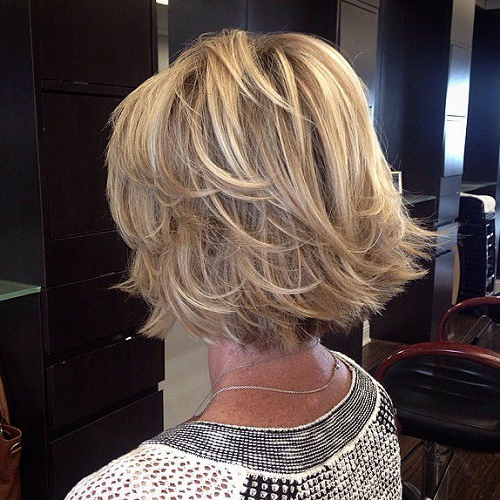 33+ Classy & Simple Short Hairstyles For Older Women – Sensod In Ash Blonde Bob Hairstyles With Feathered Layers (View 20 of 25)