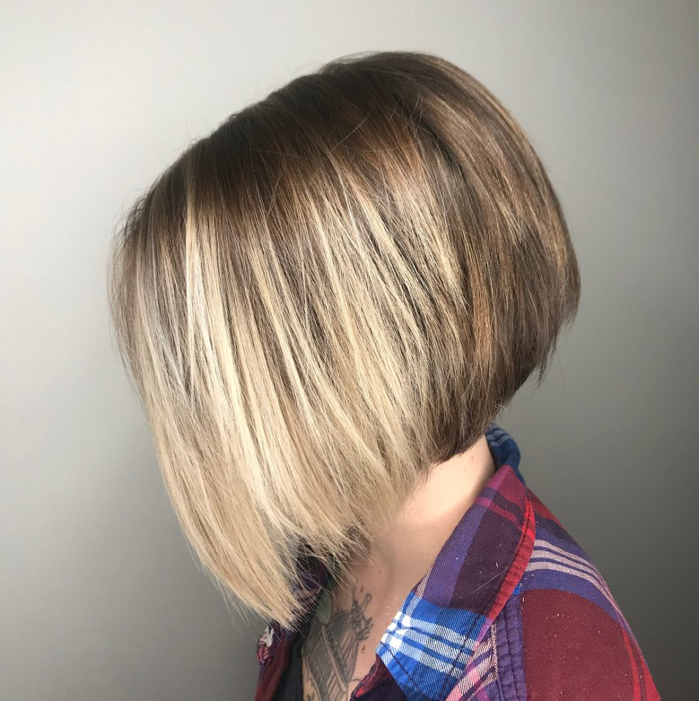 33 Flattering Short Hairstyles For Round Faces In 2018 With Regard To Short Hairstyles With Bangs For Round Face (View 11 of 25)