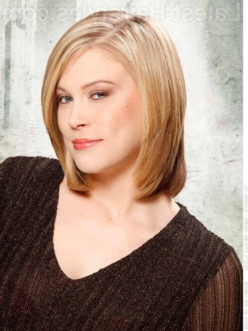 34 Greatest Short Haircuts And Hairstyles For Thick Hair For 2018 In Smooth Bob Hairstyles For Thick Hair (View 10 of 25)
