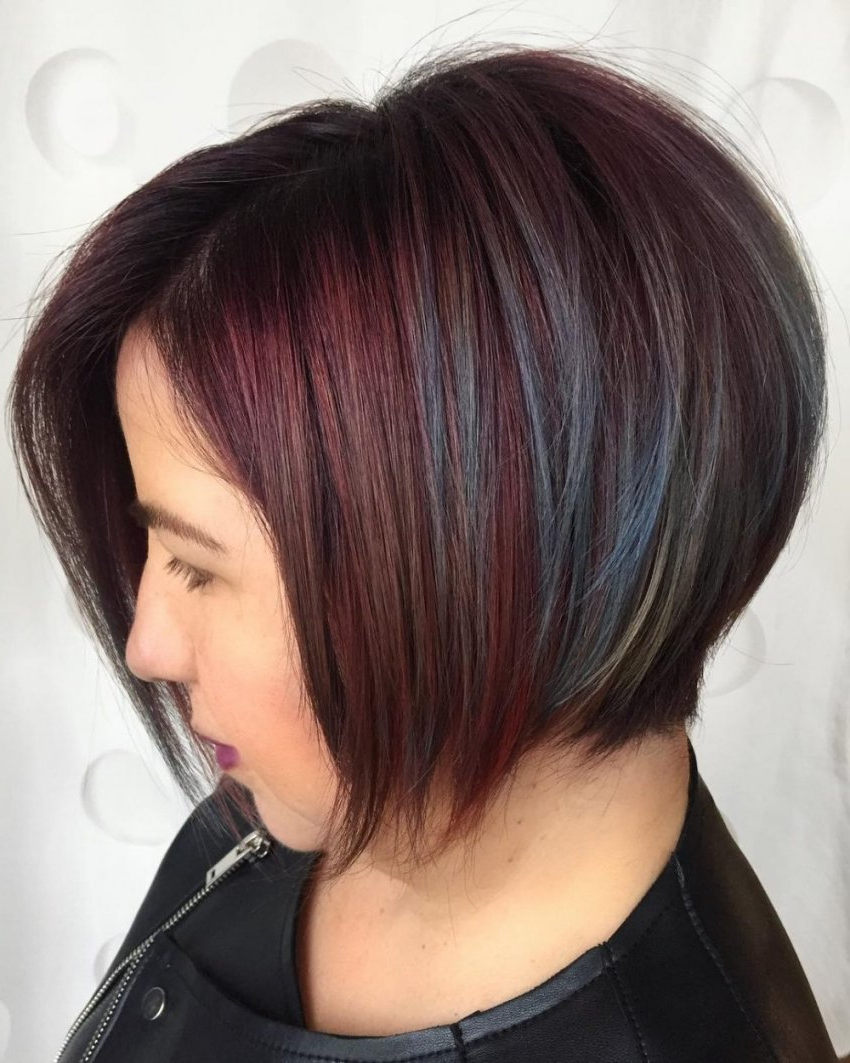 34 Greatest Short Haircuts And Hairstyles For Thick Hair For 2018 Inside Short Hairstyles For Oval Face Thick Hair (View 14 of 25)