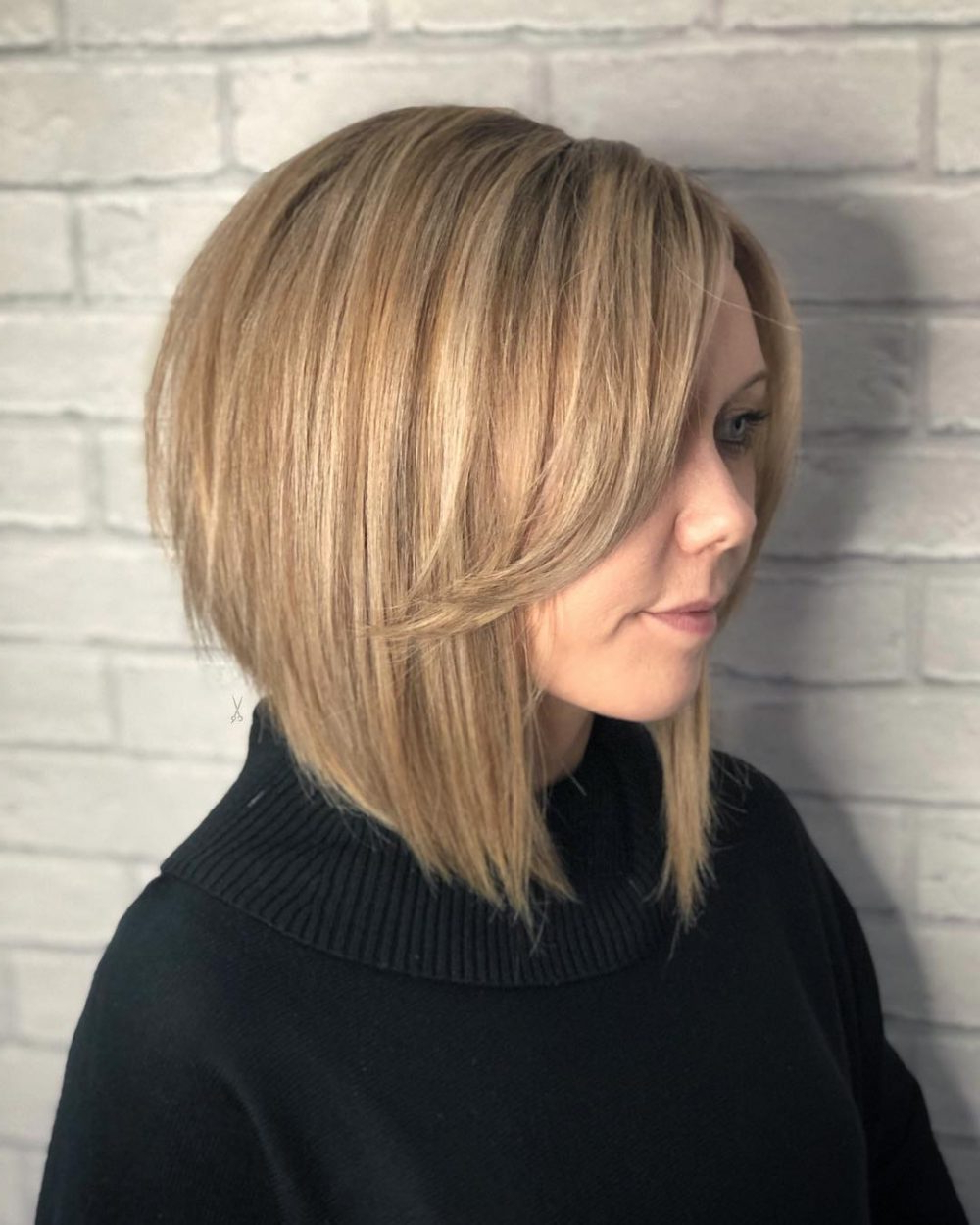 34 Greatest Short Haircuts And Hairstyles For Thick Hair For 2018 Within Short Haircuts Bobs Thick Hair (View 7 of 25)