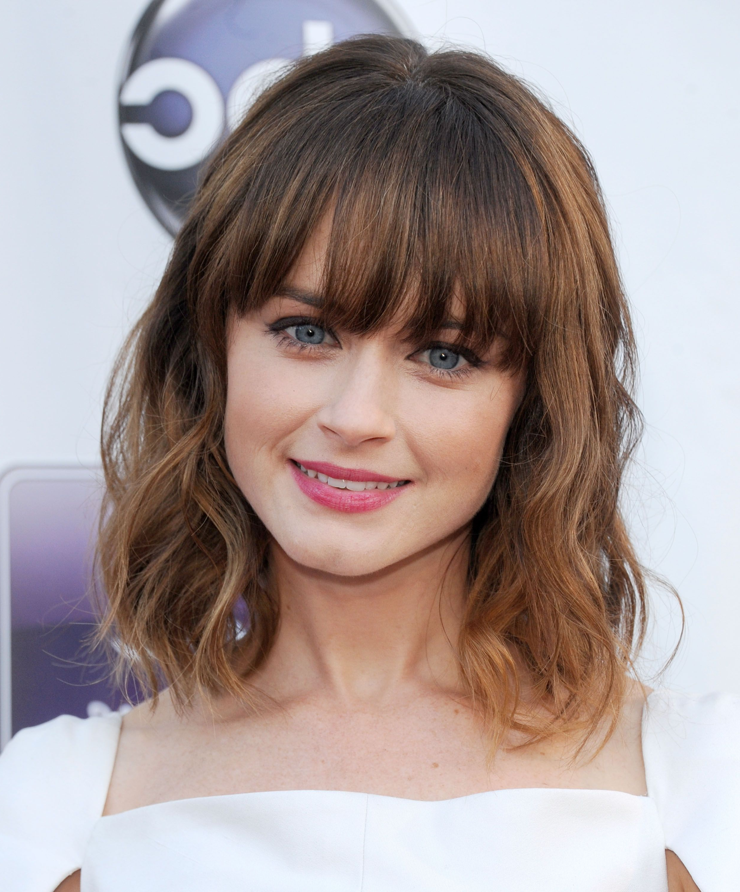 35 Best Hairstyles With Bangs – Photos Of Celebrity Haircuts With Bangs Intended For Short Haircuts For Women In Their 30S (View 22 of 25)