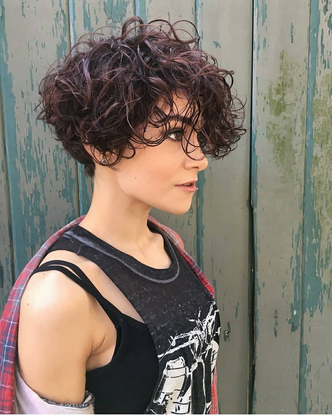 38 Short Hairstyles With Bangs That Are Just Brilliant For Tapered Brown Pixie Hairstyles With Ginger Curls (View 18 of 25)