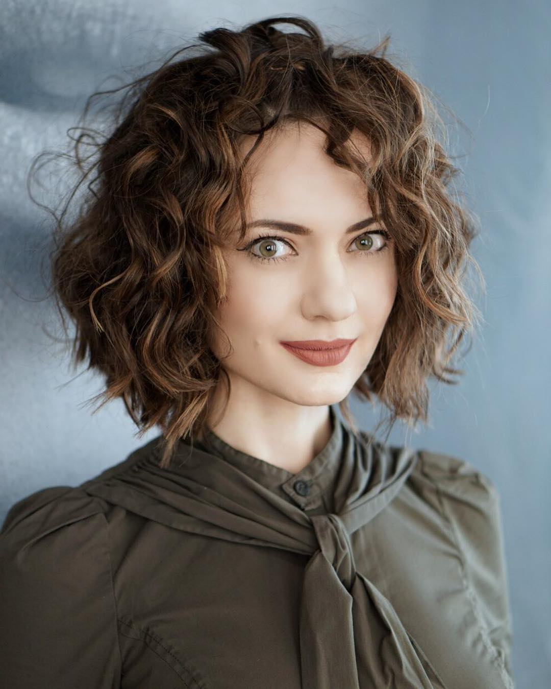 38 Super Cute Ways To Curl Your Bob – Popular Haircuts For Women 2017 Regarding Loosely Waved Messy Brunette Bob Hairstyles (View 21 of 25)