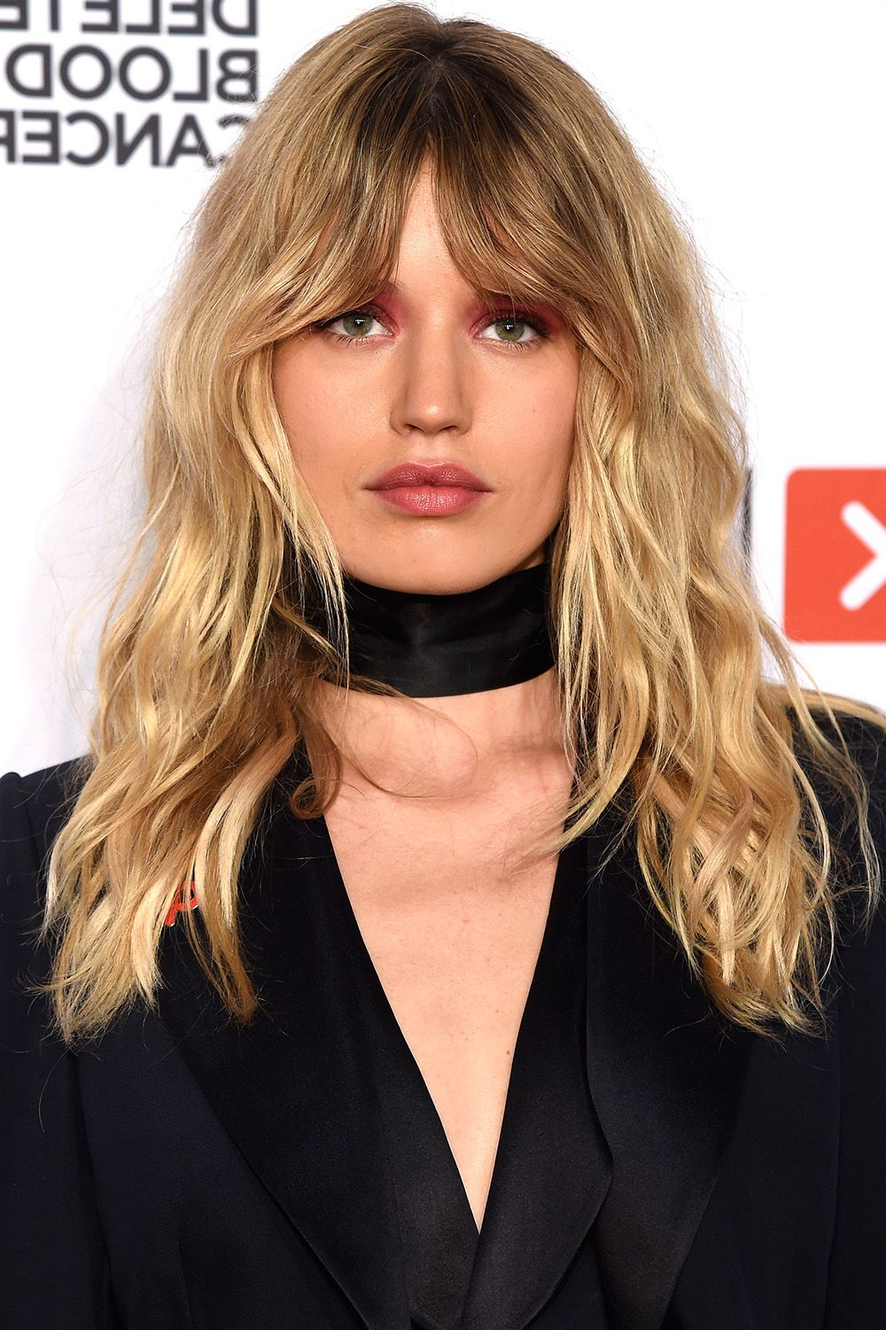 40 Best Medium Hairstyles – Celebrities With Shoulder Length Haircuts Regarding Short Bob Hairstyles With Whipped Curls And Babylights (View 25 of 25)