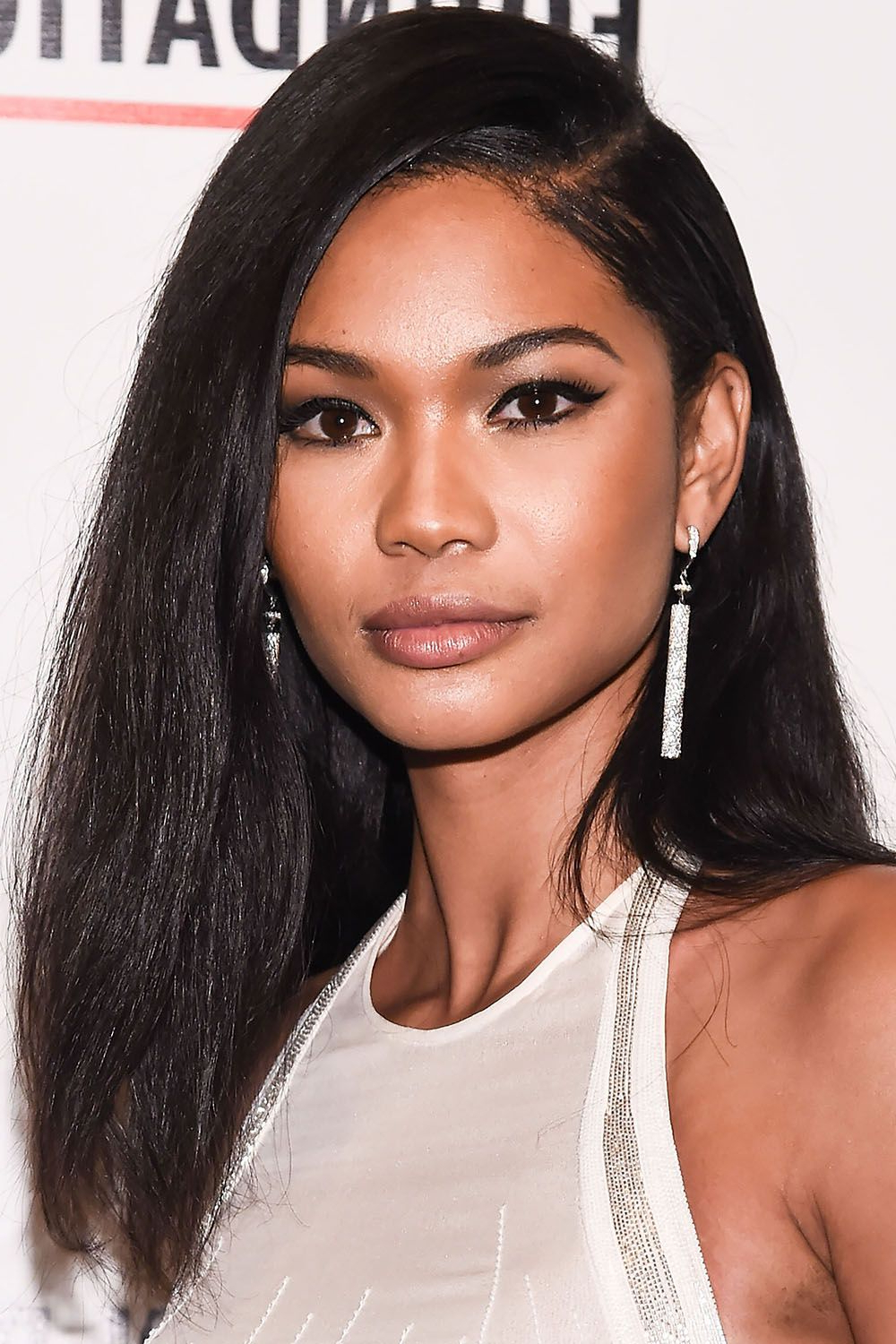40 Best Medium Hairstyles – Celebrities With Shoulder Length Haircuts Within Short To Medium Hairstyles For Thick Hair (View 25 of 25)