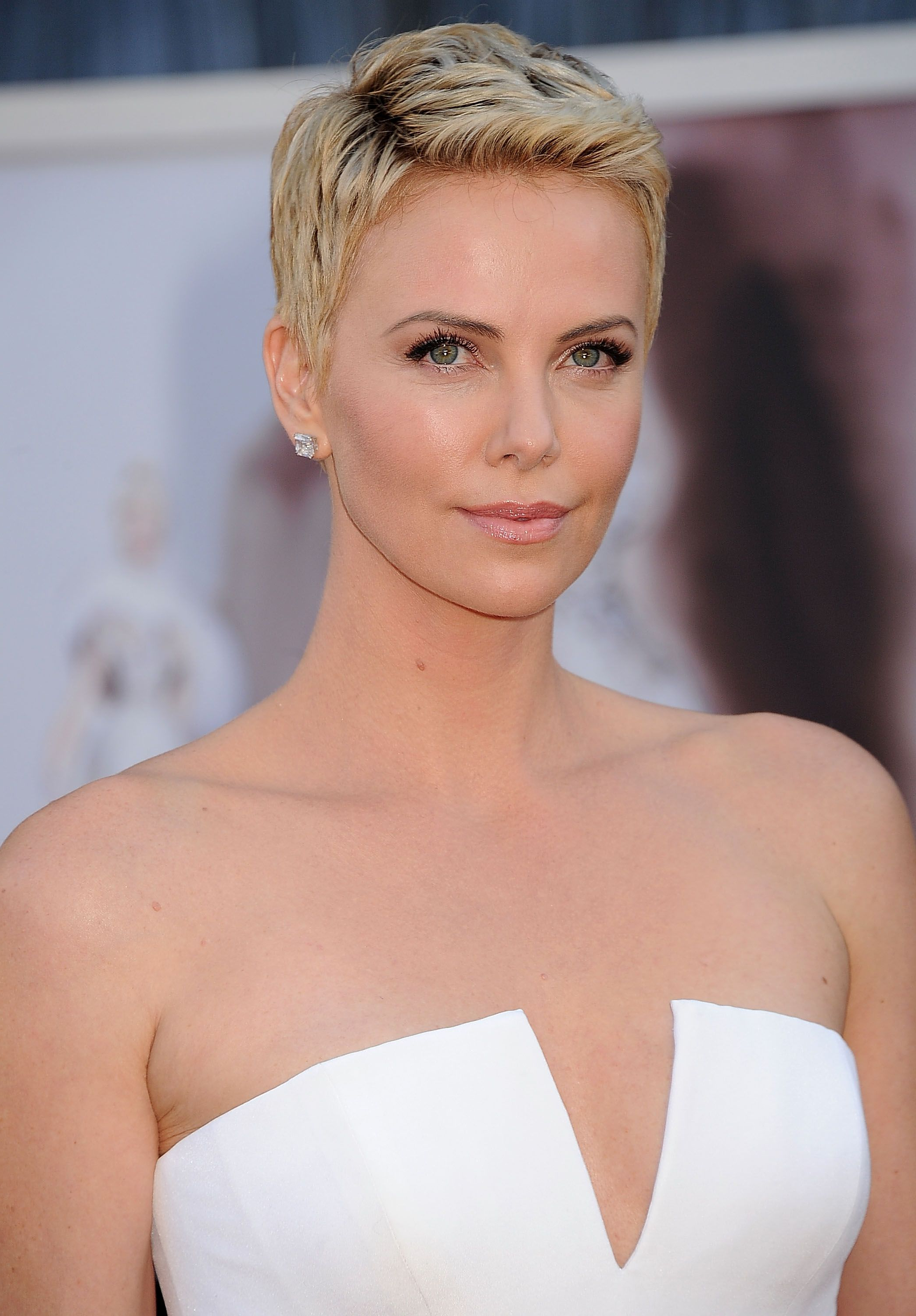 40 Best Short Pixie Cut Hairstyles 2018 – Cute Pixie Haircuts For Women Pertaining To Super Short Haircuts For Girls (View 10 of 25)