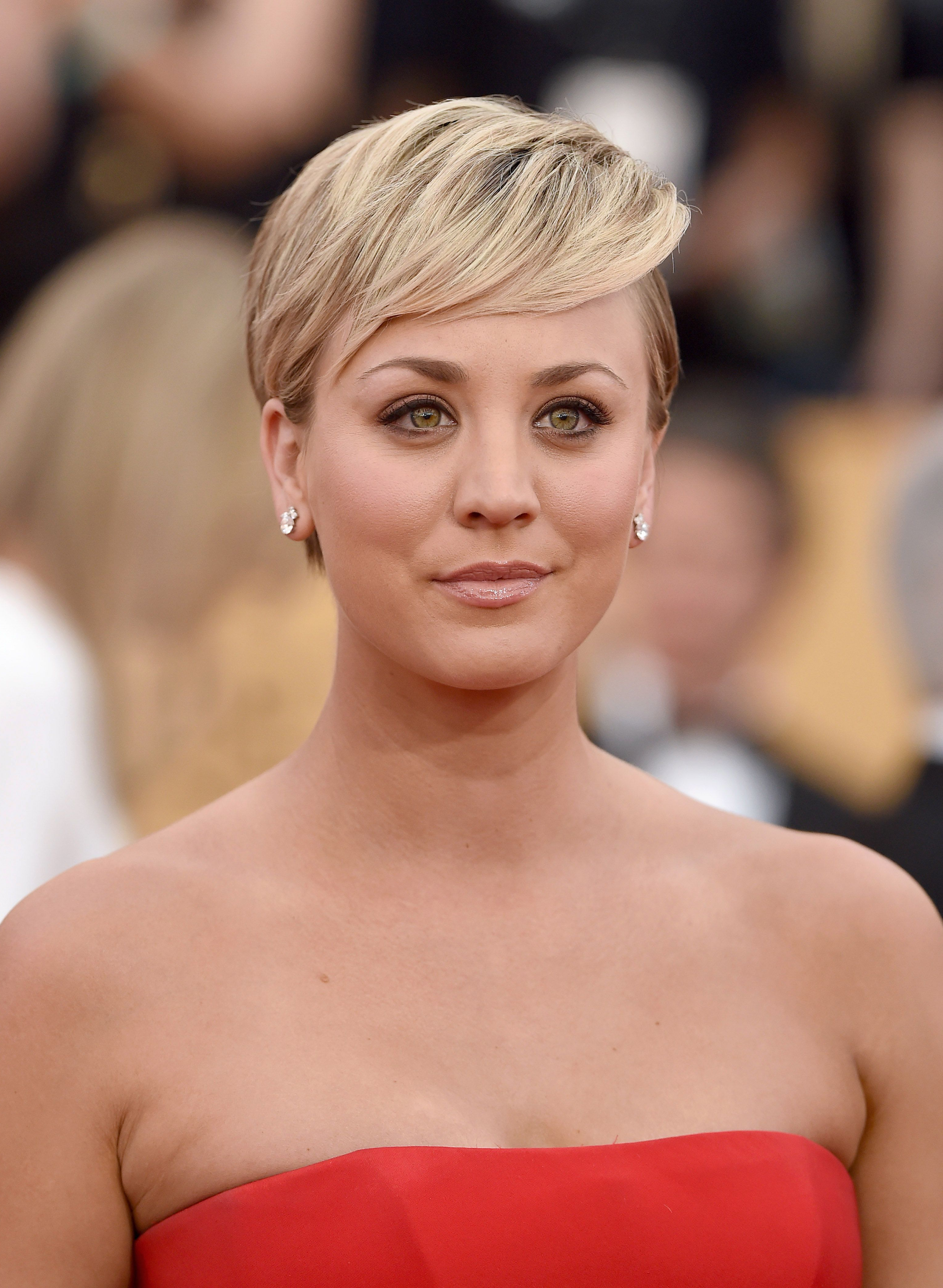 40 Best Short Pixie Cut Hairstyles 2018 – Cute Pixie Haircuts For Women Regarding Kaley Cuoco Short Hairstyles (View 24 of 25)