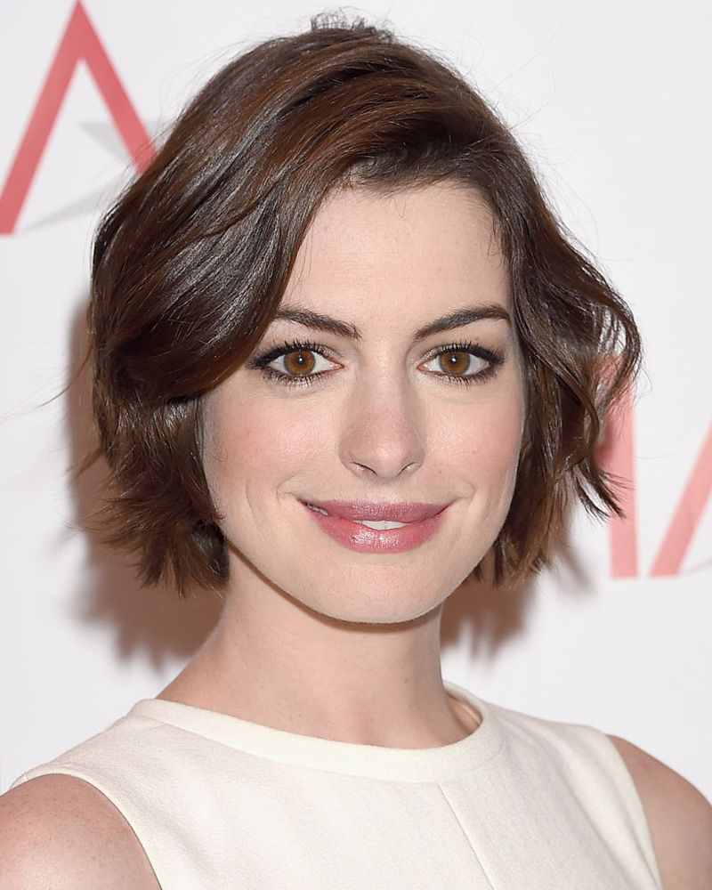 40 Bob Hairstyles For 2018 – Bob Haircuts To Copy This Year Pertaining To Edgy Brunette Bob Hairstyles With Glossy Waves (View 8 of 25)