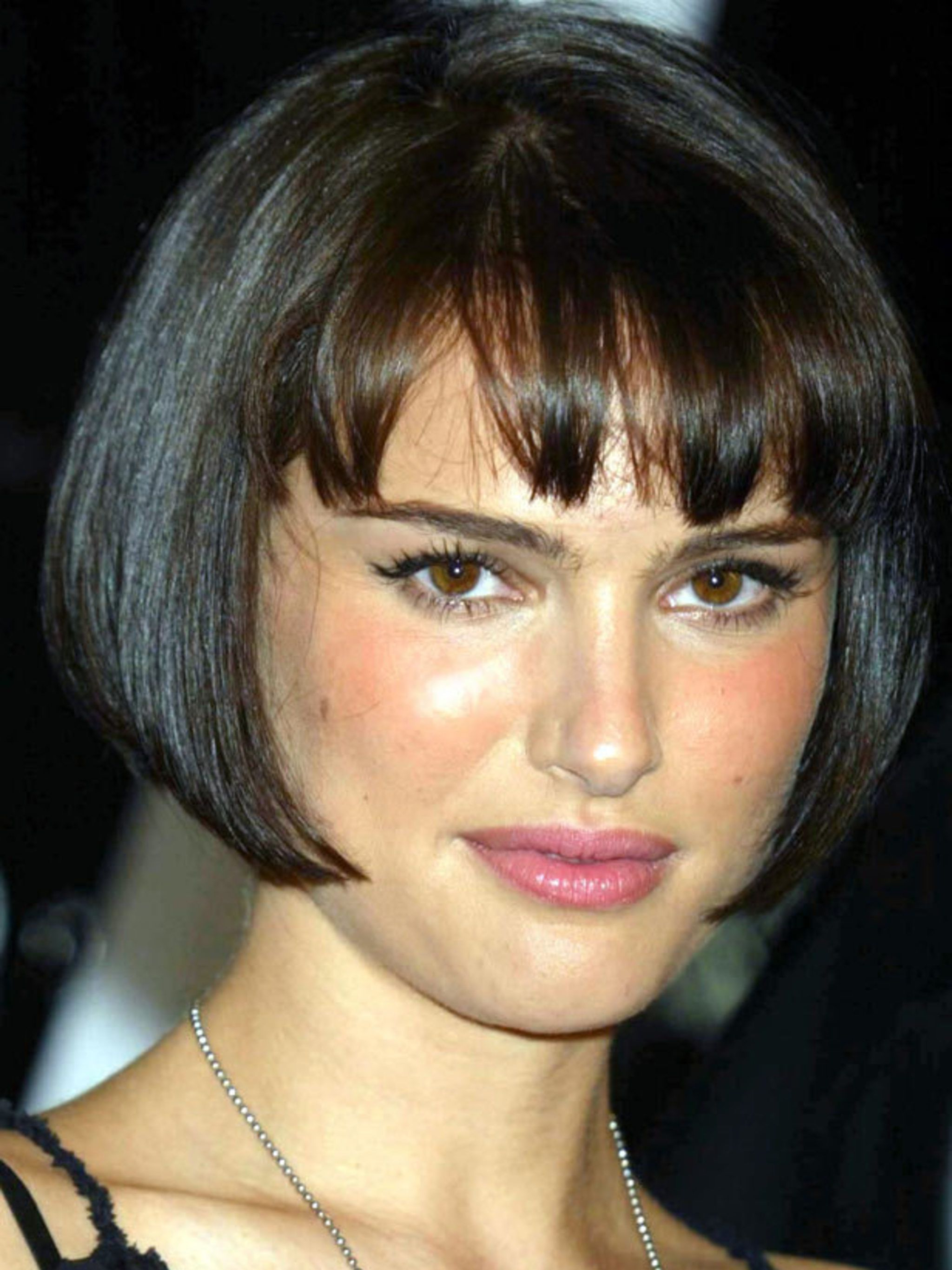 40 Bob Hairstyles For 2018 – Bob Haircuts To Copy This Year With Regard To Jaw Length Inverted Curly Brunette Bob Hairstyles (View 23 of 25)
