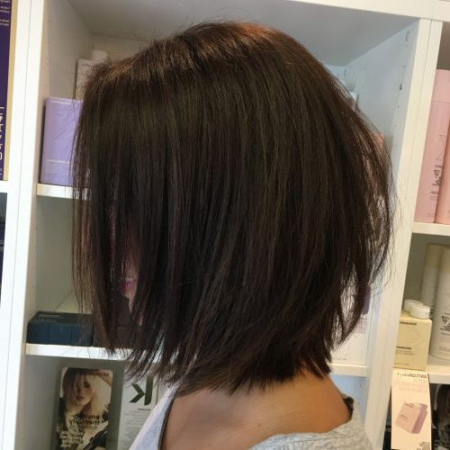 40 Gorgeous And Easy Medium To Shoulder Length Bob Haircuts Regarding Razored Brown Bob Hairstyles (View 6 of 25)