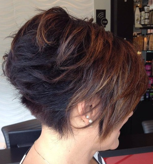 40 Short Bob Hairstyles: Layered, Stacked, Wavy And Angled Bob Cuts Intended For Two Tone Stacked Pixie Bob Haircuts (View 4 of 25)