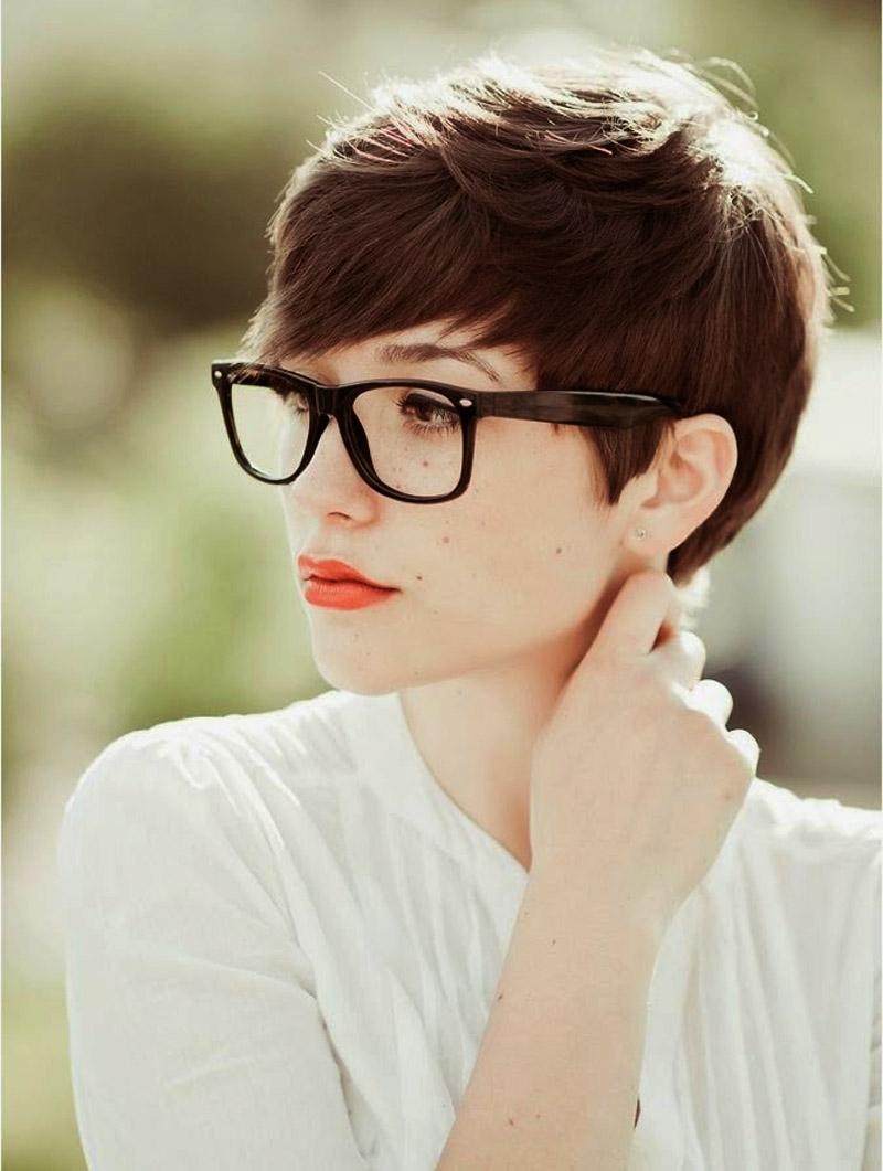 41 Cheeky Short Hairstyles For Eyewear Wearers Regarding Short Haircuts For Glasses Wearer (View 14 of 25)