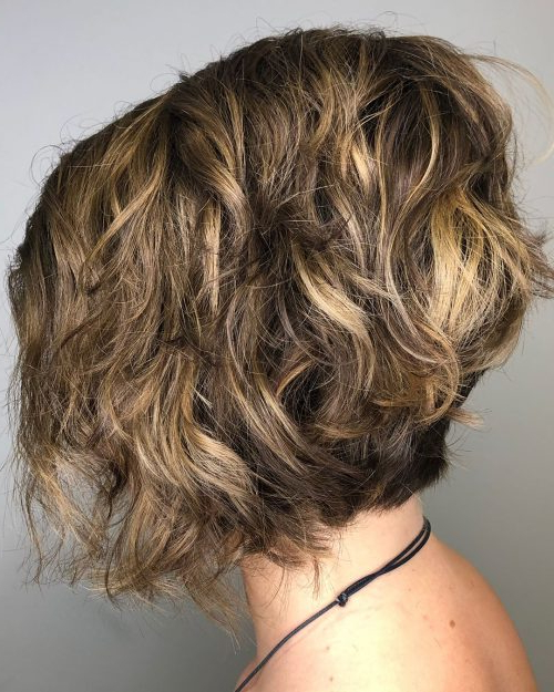 43 Greatest Wavy Bob Hairstyles – Short, Medium And Long In 2018 For Brunette Bob Haircuts With Curled Ends (View 14 of 25)