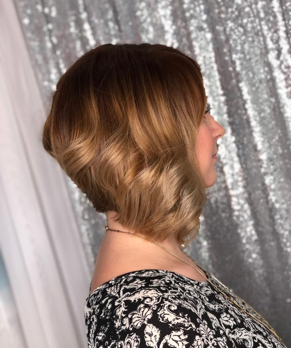 43 Greatest Wavy Bob Hairstyles – Short, Medium And Long In 2018 Intended For Inverted Brunette Bob Hairstyles With Messy Curls (View 12 of 25)