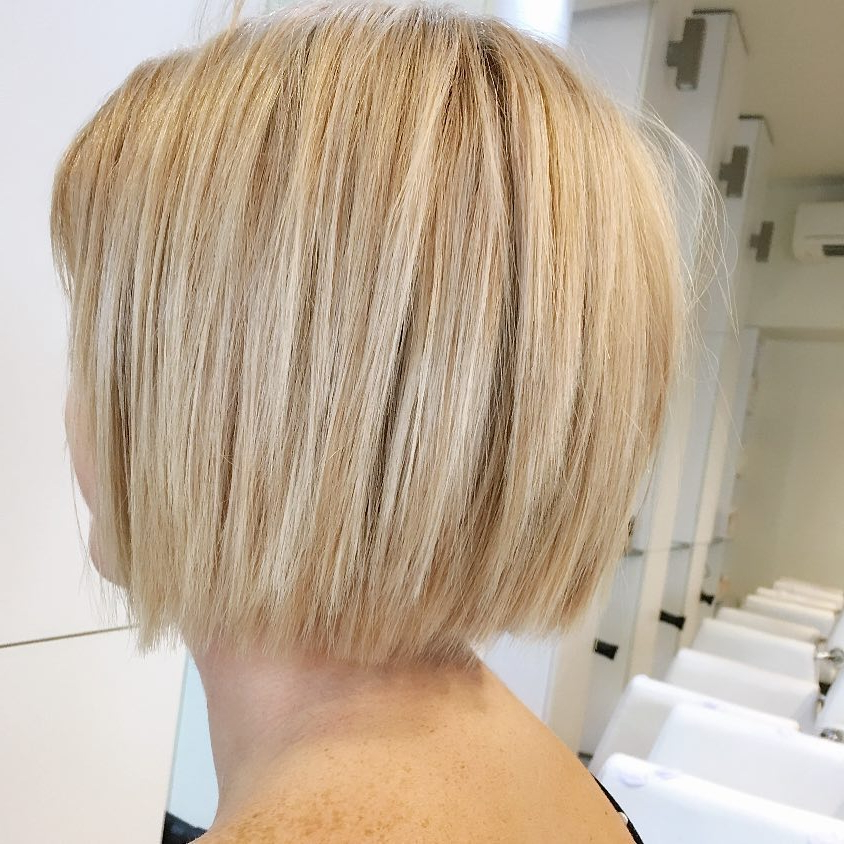 45 Chic Choppy Bob Hairstyles For 2018 Throughout Choppy Wispy Blonde Balayage Bob Hairstyles (View 14 of 25)