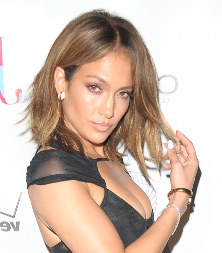 45 Gorgeous Celebrity Lob And Long Bob Haircuts To Inspire Your Look With Regard To Jennifer Lopez Short Haircuts (View 24 of 25)